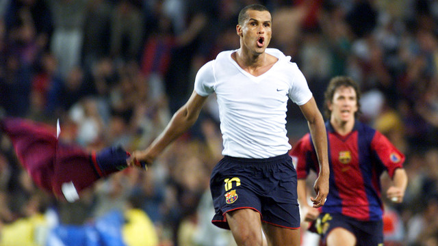 Rivaldo celebrating his famous goal against Valencia / FCB Archive