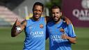 Adriano i Jordi Alba, abans de començar l'entrenament / MIGUEL RUIZ - FCB