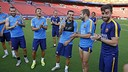 Pedro applauded by the players for his 28th birthday / MIGUEL RUIZ-FCB