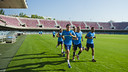 The handball team exercised in the Miniestadi on their first day back / VÍCTOR SALGADO-FCB
