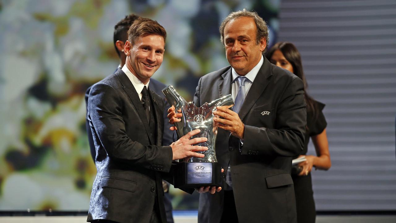 Messi recull el premi de l'MVP de la UEFA / MIGUEL RUIZ - FCB