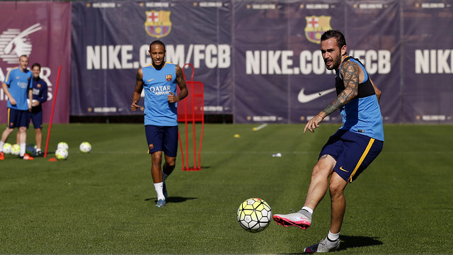 Aleix Vidal and Neymar train on Wednesday morning / MIGUEL RUIZ - FCB