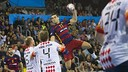 Lazarov shooting against Kolding/ VICTOR SALGADO - FCB