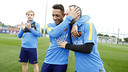 Iniesta wishes Adriano a happy 31st birthday / MIGUEL RUIZ - FCB