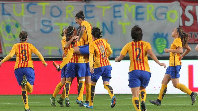 El Barça Femení celebra el gol d'Olga aconseguit al Twente Stadion / FC TWENTE