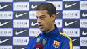 El entrenador del filial, Gerard López, con Barça TV antes del entrenamiento / VICTOR SALGADO-FCB