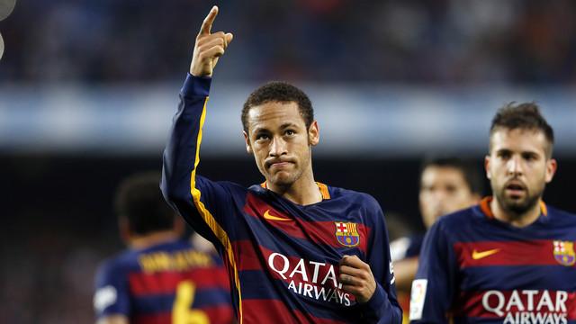 Neymar dễ dàng vượt qua những ngôi sao khác để dành phần thưởng Samba Gold