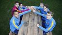 Leo Messi amb cinc capitans dels diferents equips del futbol formatiu / MIGUEL RUIZ - FCB