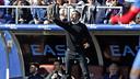 Luis Enrique on the sidelines at the Ciutat de Valencia stadium / MIGUEL RUIZ - FCB