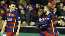 Kaptoum celebrates his goal with Aleix Vidal and Munir / MIGUEL RUIZ - FCB