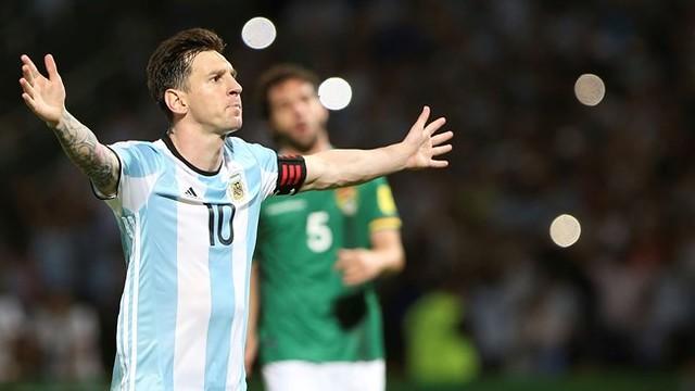 Leo Messi marcó el 2-0 de Argentina contra Bolivia / FIFA.COM