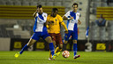 Kaptoum disputa una pilota contra Yeray, del Sabadell / PACO LARGO - FCB