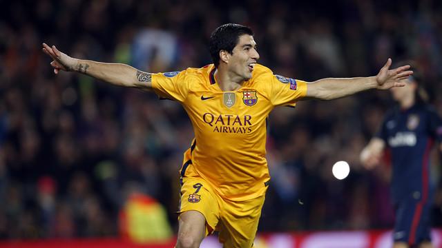 Luis Suárez celebra uno de los dos goles conseguidos contra el Atlético / MIGUEL RUIZ - FCB