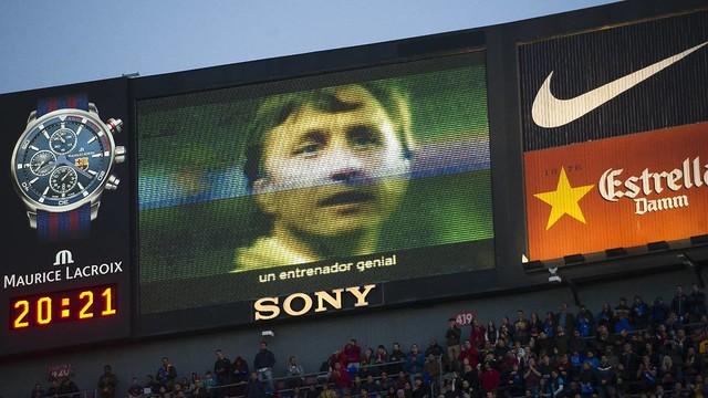 El vídeo 'Gràcies Johan' projectat al videomarcador del Camp Nou ha estat el més destacat de l'abril / VICTOR SALGADO - FCB