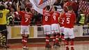 Los jugadores del Benfica, saludantdo al público. FOTO: SL BENFICA