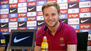 Ivan Rakitic speaks to the press after Friday's training session. / MIGUEL RUIZ - FCB